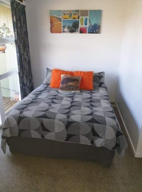 Budget family and group accommodation, Russell Orongo Bay Holiday Park